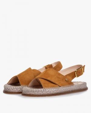 cognac suede sandaal plat camel